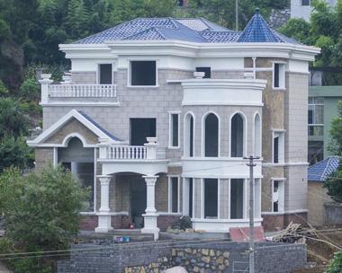 AT1630贵州客户欧式豪华复式三层别墅建筑施工案例图
